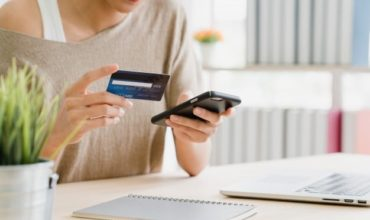 8 Cool Things Online Invoicing Software Can Do For Small Businesses