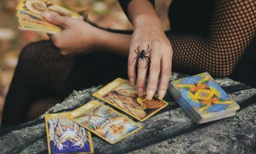 4 Ways to Find Your Soulmate Through Tarot Card Reading